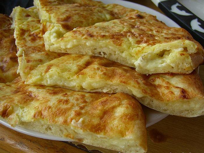 Хачапури с сыром из слоеного теста 9 фотография